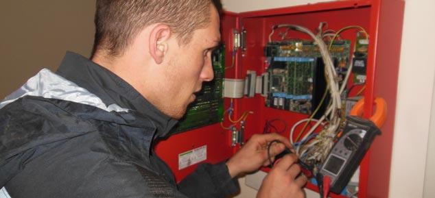 Cm impianti elettrici padova ditta impianti elettrici for Ekofarma arredamenti